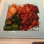 南屋韓国食堂 - キムチ盛り合わせ