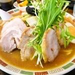 金丸本店 - 鶏味噌タンメンチャーシュー入り