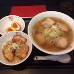 34979593 - 喜多方ラーメン炙り焼豚ご飯セット890円☺︎