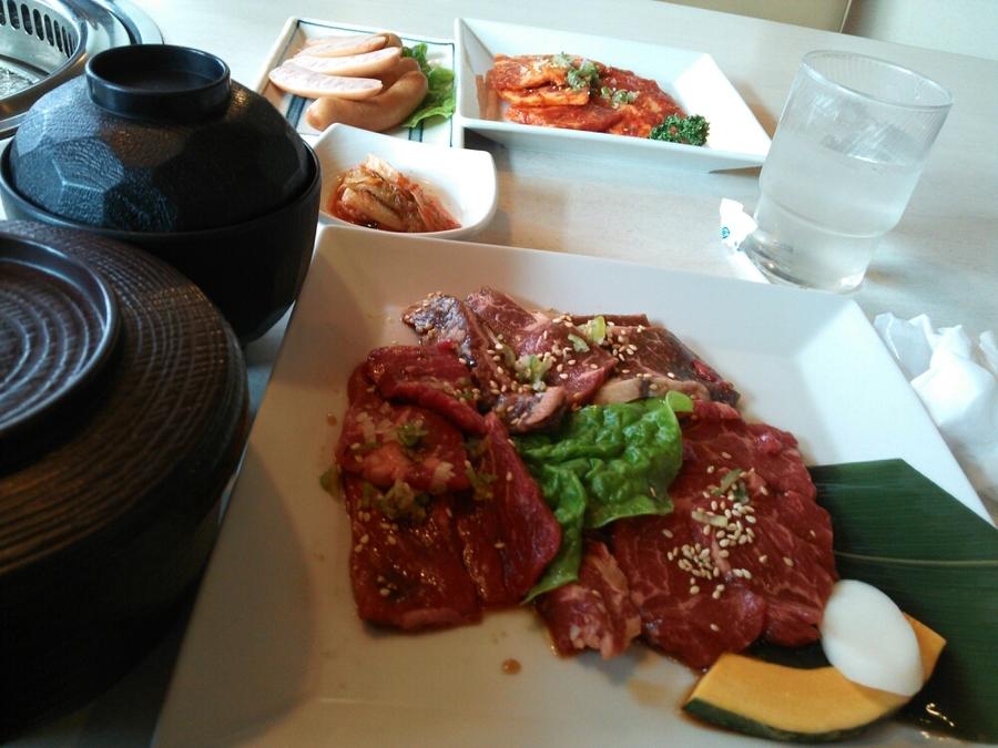 韓国市場 炭火焼肉 悠々館