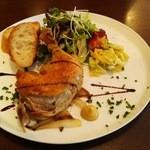 オステリア ピッカンテ ウノ - 鶏モモ肉コンフィプレート