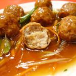 天津軒 - 2013年10月 肉だんご内部