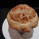 Maison de h-l'E´ridan - トリュフのスープのパイ包み