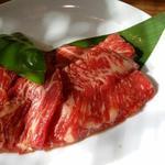 焼肉六福 - 料理写真:カルビランチ(並盛)のお肉。