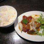 らぅめん一角 - ラーメン+酢豚セット+ライス 880円