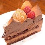 34990981 - キングチョコレートケーキ<店舗限定> 880円