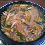 韓国石鍋 ハコイチ - 鍋料理には珍しく石鍋を使った鍋料理。〆の焼き飯最高です!1人前900円