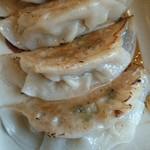 鶴小 - 料理写真:餃子