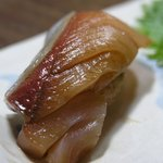 350607 - 鰤(漬け)のお寿司