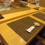 京辰 - カウンター席です。