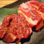焼肉居酒家 韓の台所 - 焼肉2種盛り(ハラミ&カルビ)