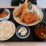 和食富味 - エビフライとヒレカツ定食 1,000円