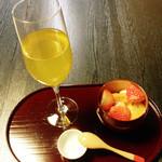 35006993 - ラフランスの煎茶+フレンチジャポネクリーム(1200円+税)。土日限定。