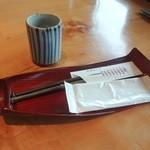 国分寺そば - お茶、箸、おしぼり