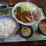 ビオトープ芽吹き屋 - 生姜焼き定食 1150円