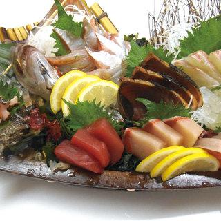 産地直送で新鮮な魚を仕入れ!