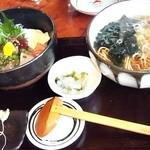 春日野 - 刺身丼ランチ・たぬきそば