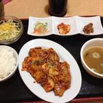 ハンサラン - 豚とキムチ炒め定食