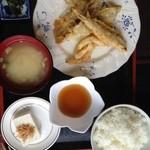 山盛食堂 - 『鰯と玉葱の天ぷらkていしょく』500円、今日の日替わりです。