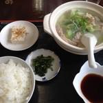 山盛食堂 - 『水炊き定食』550円、お野菜の種類が少ないけどとても食べてみたかった。