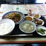 名華園料理店 - レバニラ定食 800円( '15.02)
