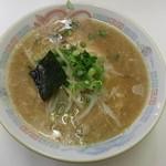 木八 - ラーメン 750円