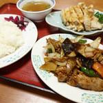 中国飯店紀淡 - 2013年10月 スタミナ炒め(小)、蒸し鶏(小)白飯【180円】