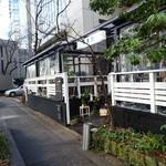 BBD - 渋谷駅から線路沿いに行ったところにございます