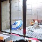 忍庭 - <'15/02/12撮影>店内のテーブル席の風景です