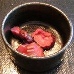 忍庭 - <'15/02/12撮影>A3黒毛和牛ロースのすき煮鍋と逸品お造りの特別ランチ御膳 1000円 の香の物