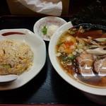拉麺本家夢屋 - 醤油焼きネギラーメン半チャーハンセット