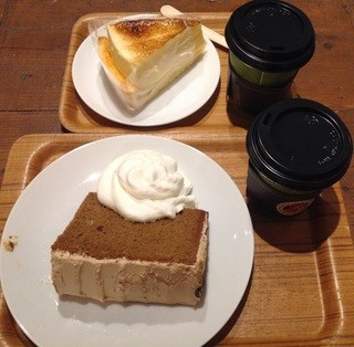 ホノルルコーヒー グランフロント大阪店 - マカダミアナッツフレーバーコーヒー&モカシフォン&シブースト