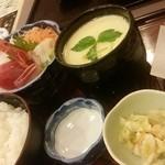 35055368 - 15.02.13:刺身天ぷら御膳ごはん大盛、たち汁、ジャンボ茶碗蒸しチェンジ、奥にたちぽん。