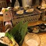 日比野市場鮮魚浜焼きセンター - かきが新鮮で美味しかった。