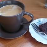 MANAI - コーヒーと付いてきたチョコブラウニー