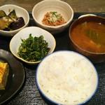 ジャスミン食堂 - トータル850円(2015/1)