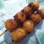 焼きだんご なみき - 料理写真:1本100円(税込)