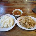 ちんや食堂 - ピリ辛もやし炒め、ライス、スープ