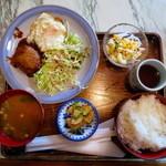 雅 - 料理写真:ハンバーグ定食