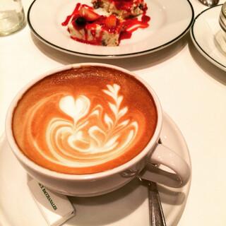 オー バカナル 高輪 - カフェオレ。ここのはラテなのね!美味!!