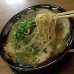 赤ちょうちん - チャーシュー麺/アップ