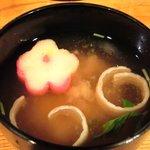 鶴我 - 極上赤身 馬刺膳(並) 500円 の味噌汁