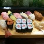 すが野 - 料理写真:特上寿司 いなりを付けてもらいました。