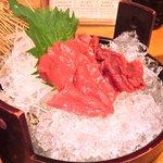 鶴我 - 極上赤身 馬刺膳(並) 500円 の馬刺し