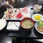 35069147 - 刺身定食2,400円(税別)