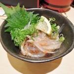 にぎり鮨 魚魚 - ドリンクセットの小鉢