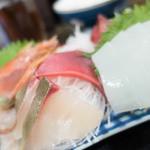 郷 - 刺身盛合せ定食の刺身