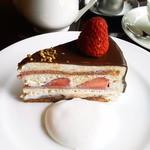 35088586 - 2011年5月 ストロベリーショートケーキ チョコ掛け