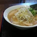 KAZU - 料理写真:ラーメン肉小720円