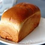 ぶどうぱんの店 舞い鶴 - ブドウパン 小 400円